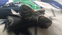 black framed Ray-Ban aviator sunglasses Spruce Grove, T7X 2H7