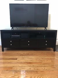 TV Stand (NOT TV) null