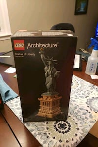 Unopened Lego Statue of liberty architecture set. $120 retail. Reston, 20191