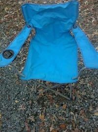 blue and black camping chair 35 mi