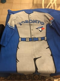 Toronto Blue Jays - Sleeves (Snuggie - brand new) 554 km