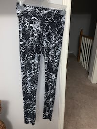 Garage fitness pants size xs- worn for an hour Richmond Hill, L4C 0L5