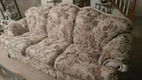 Couch two chairs ottoman 42 mi