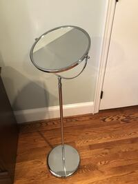 Vanity Mirror - Sturdy & Height Adjustable
