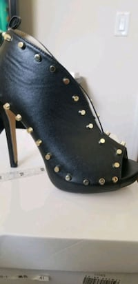 Peeped Toe Studded Booties  Elkridge, 21075