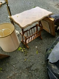 End table with magazine rack  469 mi