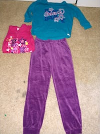 Pink sweat shirt and blue shirt woth pants West Springfield, 22152