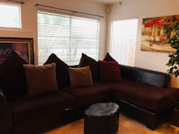 Very nice 2 piece sectional good condition   2062 mi