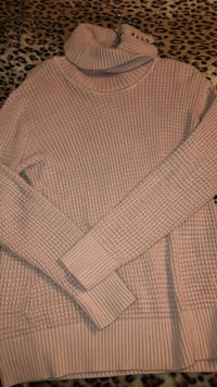 Calvin Klein pink sweater Size Large Falls Church, 22044