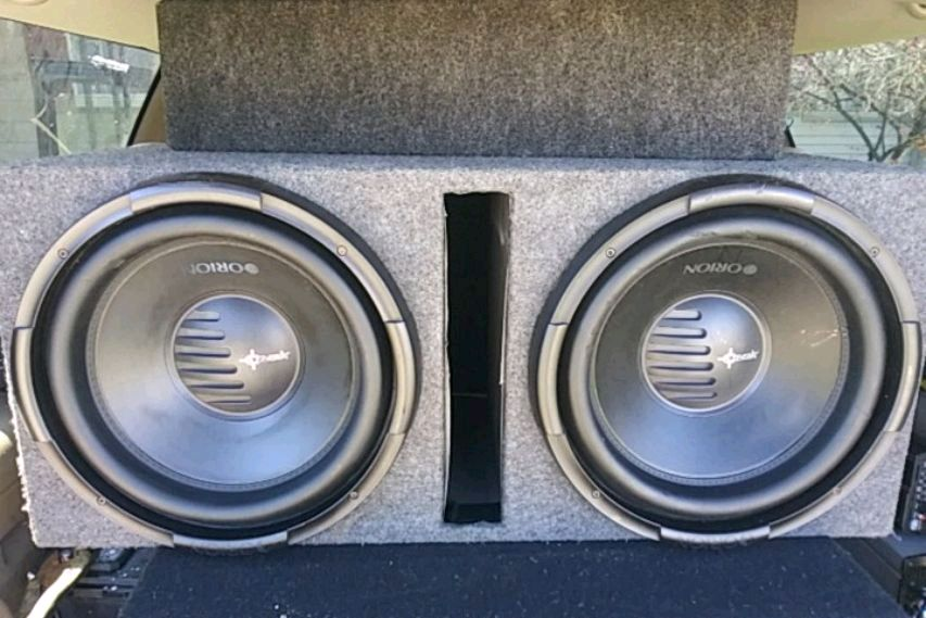 Photo (2) Orion XTRPRO 15 inch subwoofers