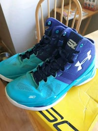 Steph Curry Two (Father to Son) size 8.5 Kamloops, V2B 7C2