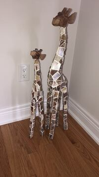 Two brown-and-white giraffe figurines Vaughan, L4H 3X2
