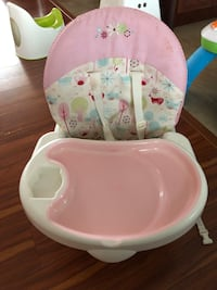 baby's white and pink floral highchair 伯纳比, V3N 1P7