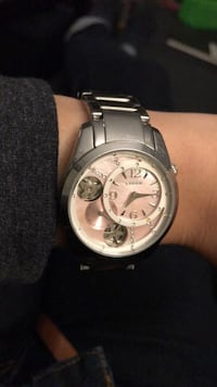 round silver-colored chronograph watch with link bracelet Markham