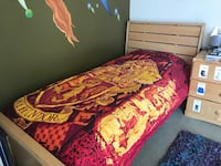 Beautiful Twin Bed in like new condition Los Angeles, 90049
