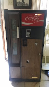 Coke machine Middletown, 19709