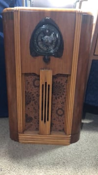 Zenith Long Distance Antique Radio Plymouth, 48170
