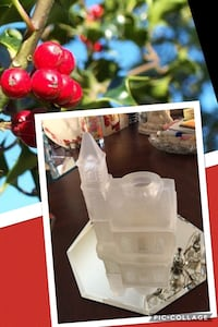 """CHRISTMAS Vintage Glass Church tea light candle holder 7"""" tall 5"""" wide excellent condition Coral Springs, 33065"""