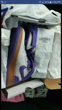 pair of purple Nike low-top sneakers with box Mantorville, 55955
