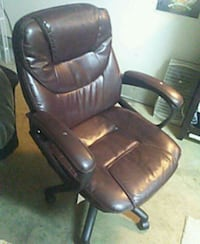 black leather padded rolling armchair Eugene, 97405