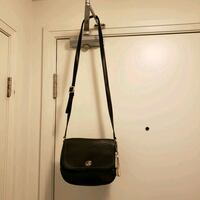 coach handbag - small Toronto, M8Y 3H8