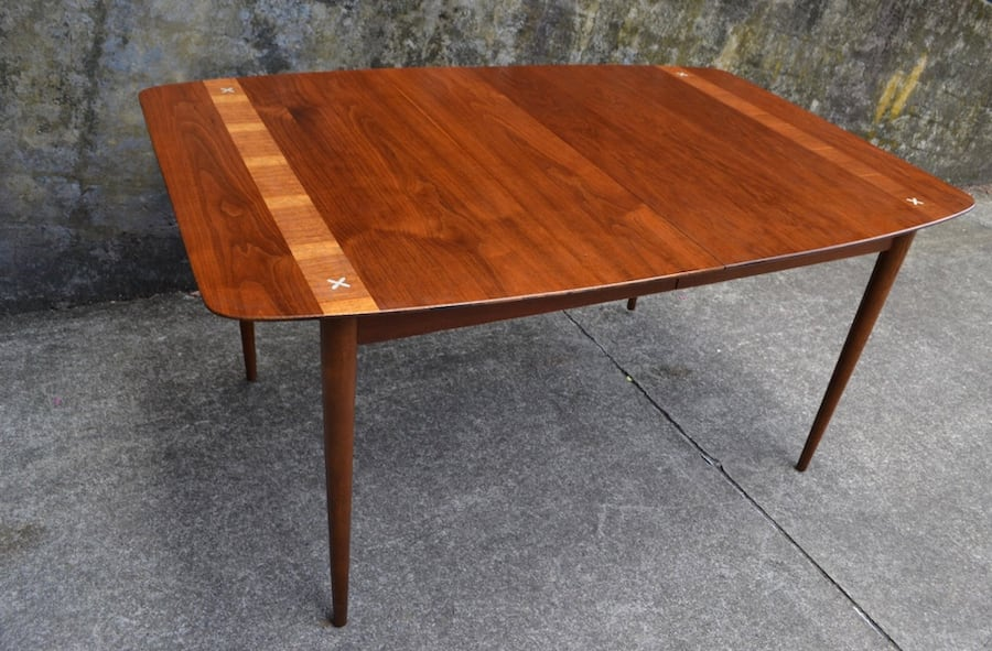 Mid Century American of Martinsville dining table 6 chairs/3 leaves 1c3a972b-2ca5-4302-9d33-22c3ede9b49c