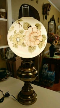 Lamp 30 inch excellent condition Hagerstown, 21742