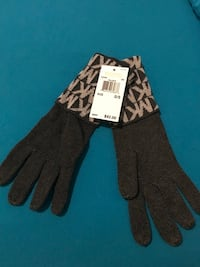 BRAND NEW MICHAEL KORS GLOVES WITH TAGS