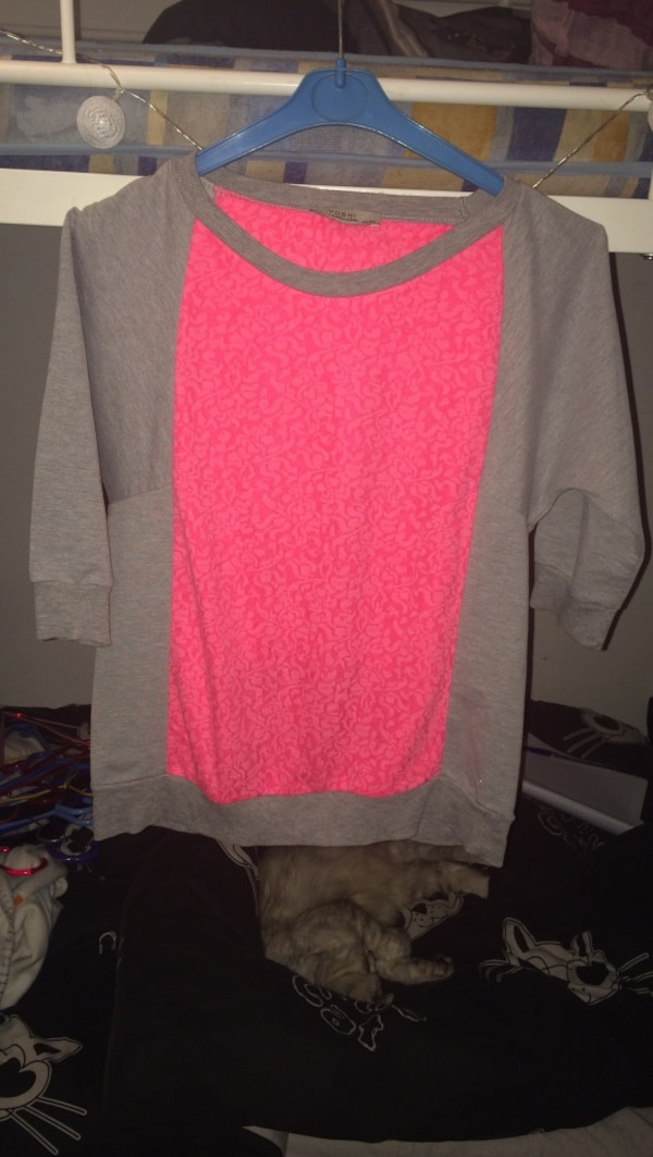 Pull neuf taille 38/40