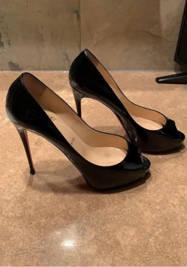 huge selection of 0d70c 7eb47 Christian Louboutin New Very Prive 120 Patent