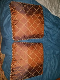 Accent pillows  Wilmington, 28401