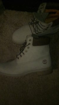 Pair of white timberland work boots Albany, 12203