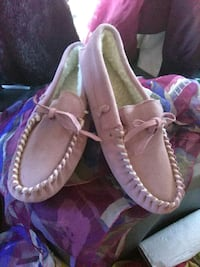 New Pink Moccasins Mountain Country Brand Salinas, 93907