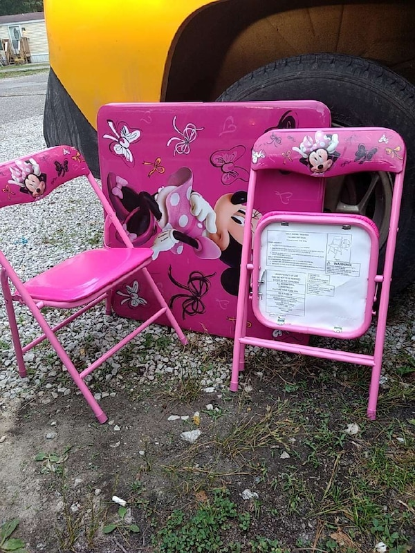 Stupendous Pink Minnie Mouse Folding Table And Chairs Customarchery Wood Chair Design Ideas Customarcherynet