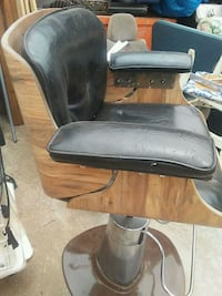 black leather padded rolling armchair San Diego, 92113