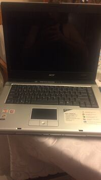 Black and gray acer laptop Toronto, M9M
