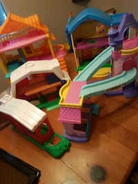 Toy houses/ all for 10$ Red Deer, T4N 0J8