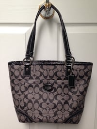 Authentic coach handbag  Toronto, M8Z 3Z7