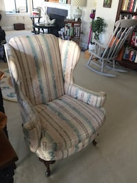 Vintage, upholstered wing chair. Heavy well made, fabric in great shape. Perfect for repurpose Vienna, 22182