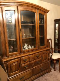 Brown wooden framed glass china cabinet Dagsboro, 19939