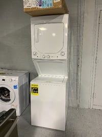BRAND NEW Unitized Washer/Dryer Spacemaker set