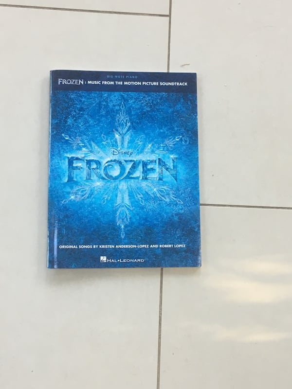 Frozen piano book e729bdb0-03c9-4bab-9783-826f10d39745