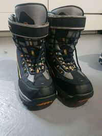 Heavy duty winter boots Milton, L9T 0H5