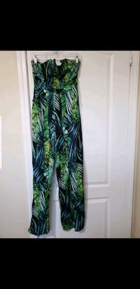 Fly Away With Me Tropical Jumpsuit- Green Toronto, M1B 5J4