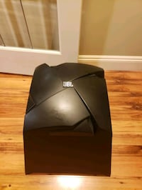 JBL subwoofer sub 150p fits perfectly in the trunk  Abbotsford, V2T 5M7