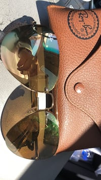 Brown and black framed ray-ban aviator sunglasses Toronto, M6K 1H9