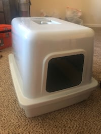 Cat litter box. Cat Toys & outfits. Wilmington