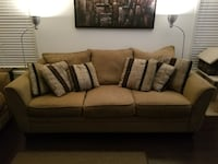 Chenille Sofa Couch and Loveseat Brampton, L6T 1R5