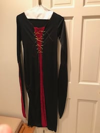Halloween costume in Medium, excellent condition