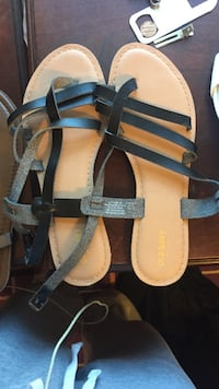 Beige and black leather flat sandals Arlington, 02474